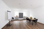 Maistraße Gelbes Haus 4Außenbereich II.jpg